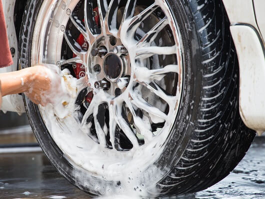 Ultimate Beginner's Guide to Wheel Cleaning   The Art of ...